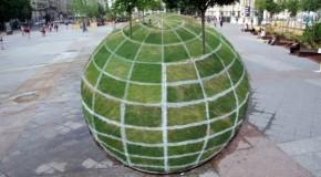 Stunning Optical Illusion At Paris Town Hall