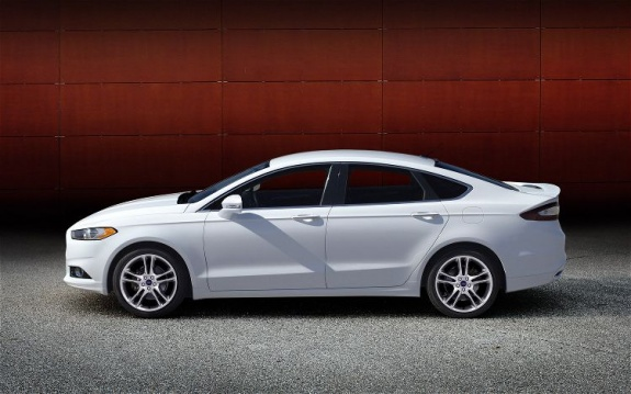 2013 Ford Fusion (4)