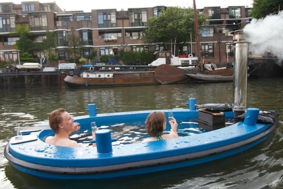HotTug &#8211; The Hot Tub Tug Boat