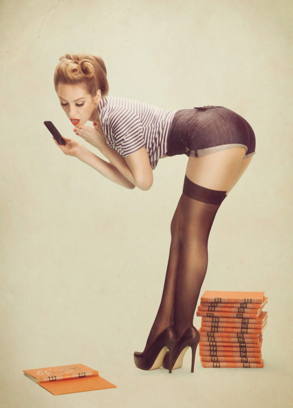 Tech Inspired Retro Pin Up Photoshoot