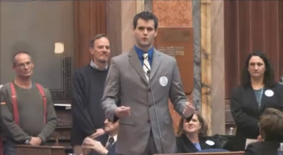 Zach Wahls - Talks Family | Civil Unions in Iowa