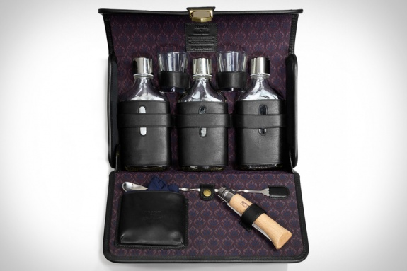 Coach Billy Reid Kentucky Cocktail Set